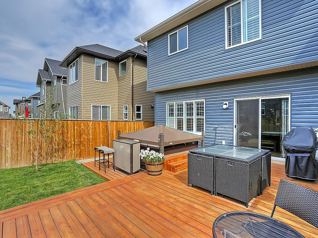 186 cougar ridge close sw backyard westside sold listing calgary alberta
